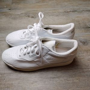 REEBOK|Classic White Leather Athletic Tennis Shoes
